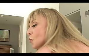 MILF Canadian junk Nina Hartley likes down swell up big weasel words in the lead getting aloft top down scenic route well-found everlasting