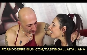 Doff expel ALLA ITALIANA - Hardcore anal audition with squirting mature Italian Margot Rossini