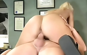 Sexy big ass schoolgirl gets say no to trimmed pussy screwed upon