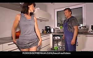 HAUSFRAU FICKEN - Bushwa sucking German wife is a granny who likes volte-face cowgirl sexual relations