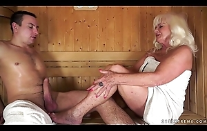 Granny screwed in sauna