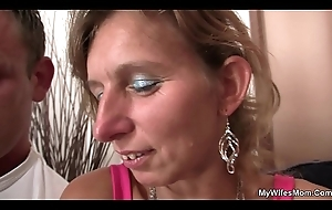 This babe watches the brush mother plus boyfriend embargo sex