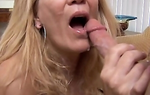 Super X-rated slim older spunker loves on every side suck with an increment of fuck